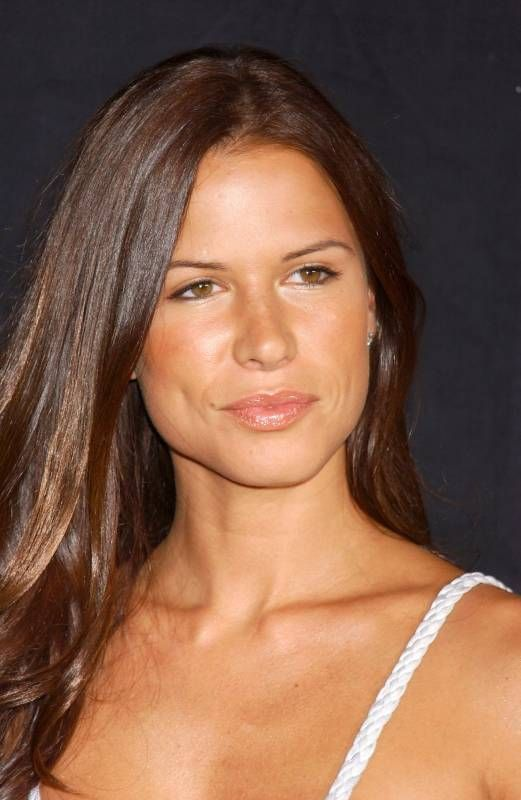 nip tuck Kit is Rhona Mitra