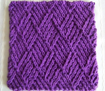 """Laws Of Knitting features a new FREE kitchen dishcloth pattern every first Tuesday of the month. The """"Twist Stitch Diamonds"""" is the July 2015 featured FREE pattern."""