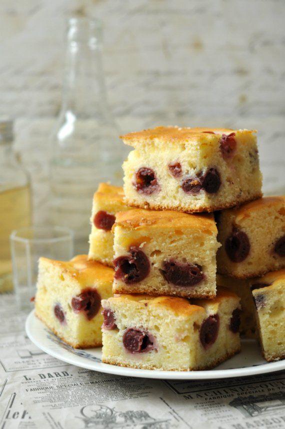 Így lettem 34 évesen kisgyerekes anyukából hirtelen nagymama. De tényleg. Brúnókának névnapja volt és akartam az oviba sütit küldeni, de milyen...