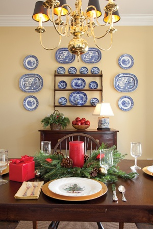 Love The Blue And White Plates On Yellow Wall Dining Rooms In 2018 Pinterest