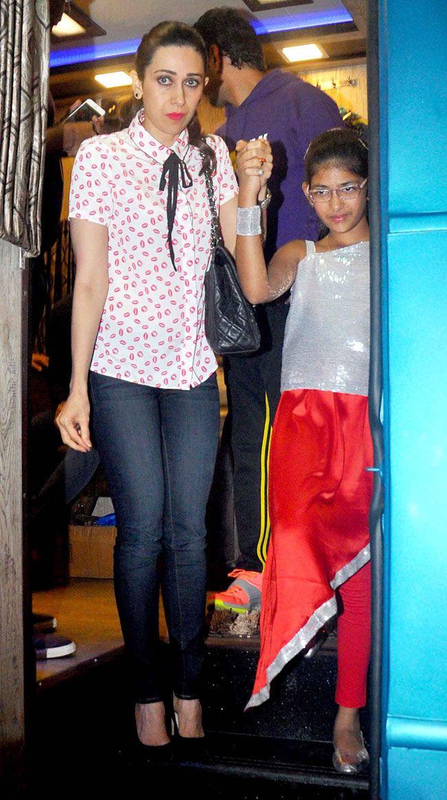 Karisma Kapoor and daughter Samaira at Shiamak Davar's show. #Bollywood #Fashion #Style #Beauty