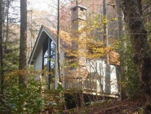 The dog house blue ridge mountain rentals boone and for Boone cabin rentals nc
