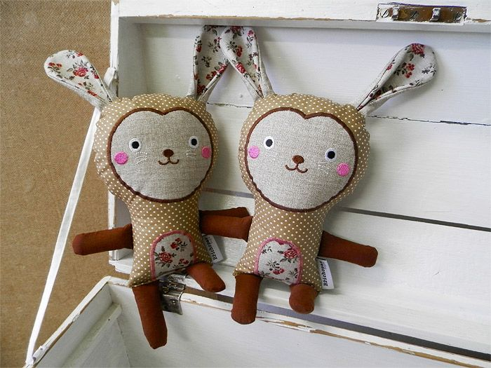 rabbits / Břichopas toys