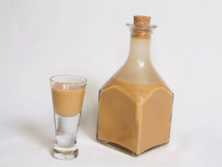 Hozzávalók  ml-hez:   250 ml tejszín (30-32%-os) 20 ml 3,5 %-os tej 30 g kristálycukor  170 g sűrített tej (félzsíros, cukrozott) 50 ml...