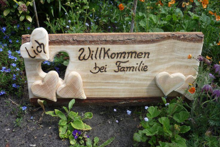 ♥lich Willkommen bei Familie.... den Familien - Namen schreibe ich individuell noch ein , die Herzen werden mit den Vornamen der Familienmitglieder beschriftet (gebrannt) von Annegret Lindhorst auf DaWanda.com