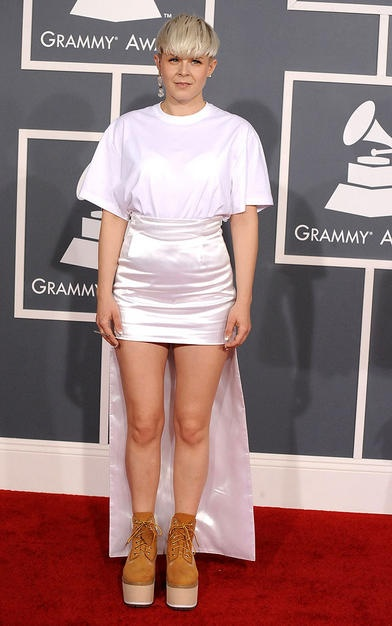robyn at the 54th grammys - uhh.... I don't know what this is.
