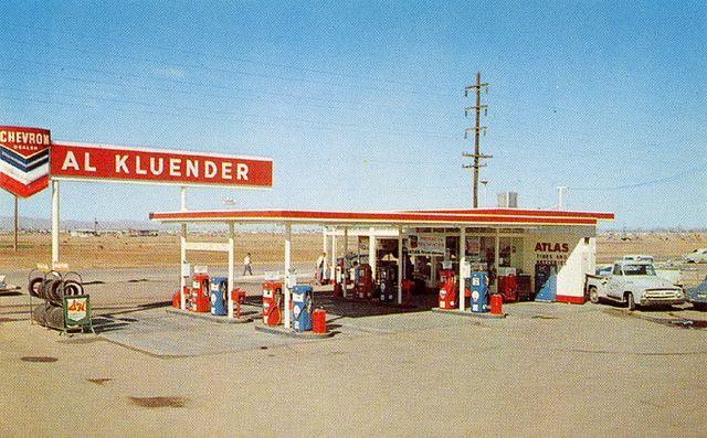 Chevron Gas Station Phoenix Arizona 1950 S Gas Station Old Gas Stations Gas Service