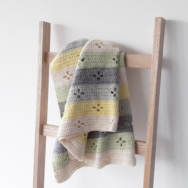 Funky Fifties Blanket, in pastels (yarn: Stonewashed) | Happy in Red