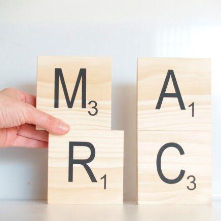 M s de 25 ideas incre bles sobre decorar letras de madera en pinterest letras pintadas cartas - Letras scrabble madera ...