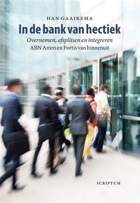 In de bank van hectiek  Er zijn boeken geschreven over de teloorgang van de oude ABN Amro en over de ondergang van Fortis. Die boeken concentreerden zich op wat er zich afspeelde aan de top van de banken. Dit boek gaat ook over de overname van ABN Amro door een consortium en de neergang van Fortis maar gaat verder met de overname door de Staat van Fortis Bank Nederland en het aan Fortis toebedeelde gedeelte van ABN Amro en het integreren van beide bankonderdelen in een nieuwe bank. Het…