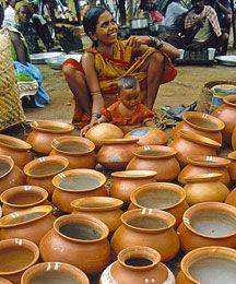 #India tribale. Il mosaico etnico dell' #Orissa - Uno stato adagiato lungo le coste del golfo del #Bengala, dove numerose Tribù, diverse per etnia, lingua e tradizioni, occupano i rilievi interni ricchi di fiumi e di foreste. Alcune di queste comunità, praticano ancora culti animistici pre-arian