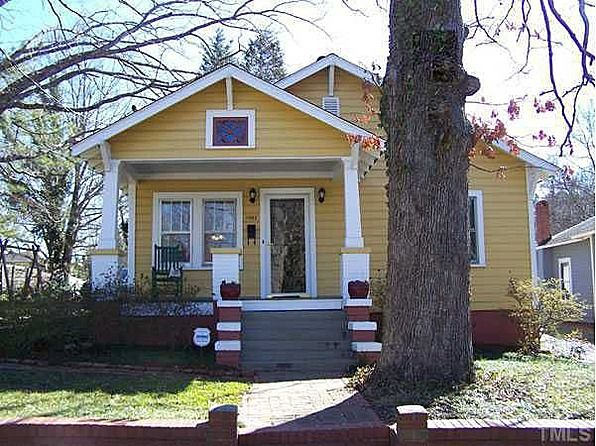 Cute Yellow Bungalow Yellow House Hunting Bungalow