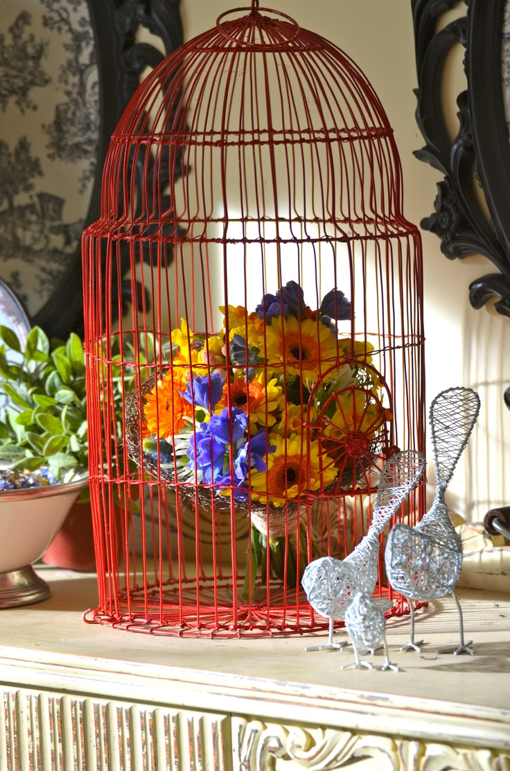 Flowers and bird cage by Bouquet Chic Flowers