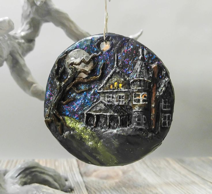 Haunted House Halloween Scene Ornament by TheSugarPumpkin on Etsy https://www.etsy.com/listing/521706570/haunted-house-halloween-scene-ornament