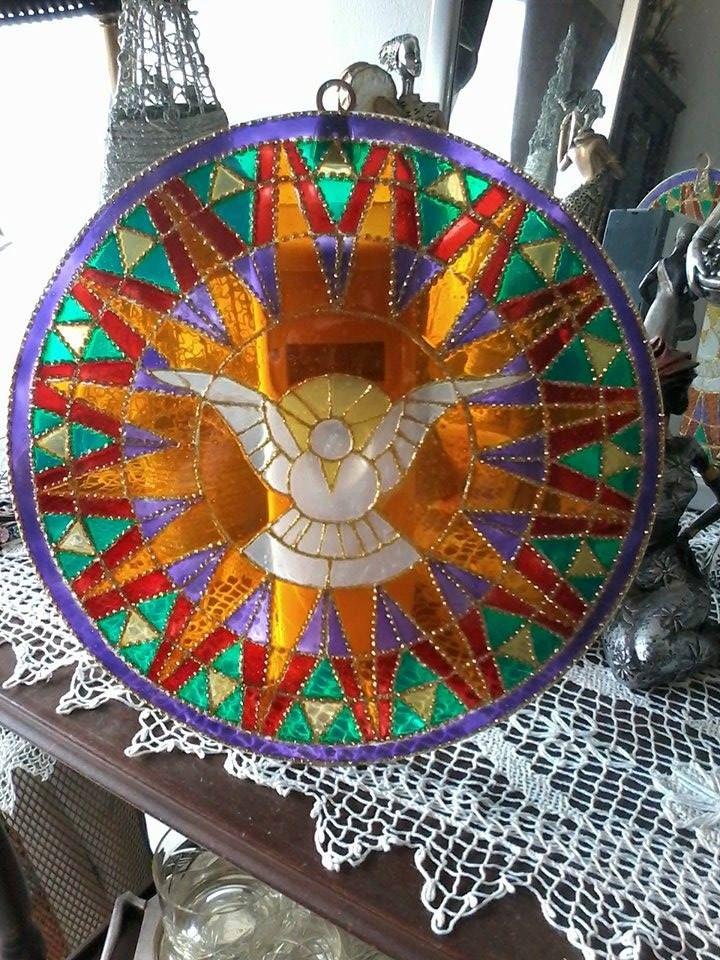 Espíritu Santo en vidrio, 30 cm. de diámetro