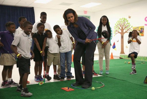 Michelle Obama working out with some kids :D