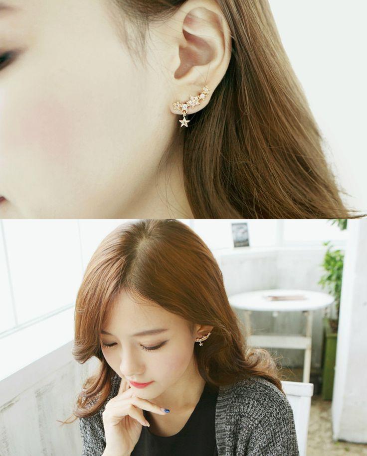 soo n soo - Star-Shaped Rhinestone Earrings US$ 7.95