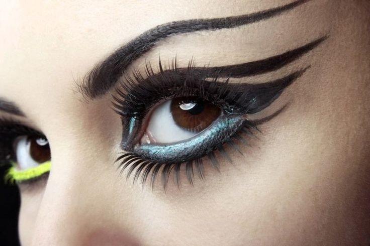 Мастер-класс: цветные стрелки для разных оттенков глаз
