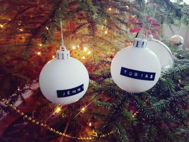 Julen firas bäst tillsammans. Se diy- ornaments tillsammans med den du håller kär! #name #diychristmas