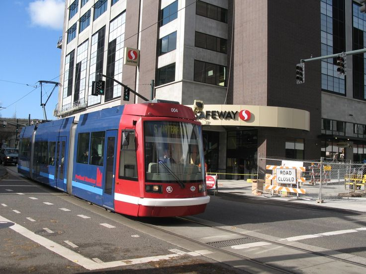 ONE-OF-TWO-SAFEWAY-STORES-ON-THE-STREETCAR-LINE-773529.JPG (1600×1200)