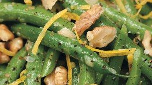 Green Beans and Walnuts with Lemon Vinaigrette Recipe