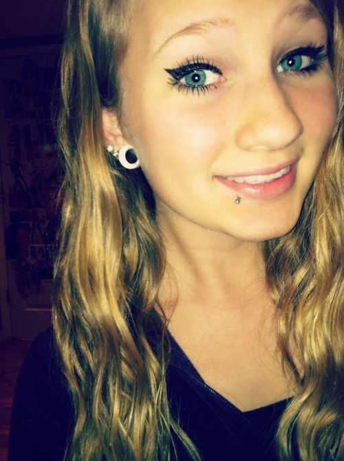 Love the piercing and gauges!