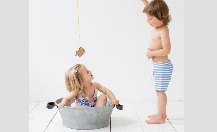 Op zoek naar baby zwemkleding? Babylabel heeft de mooiste baby zwemkleding! Leuke badpakjes, hippe zwembroekjes en schattige bikini's voor baby en kleine ...