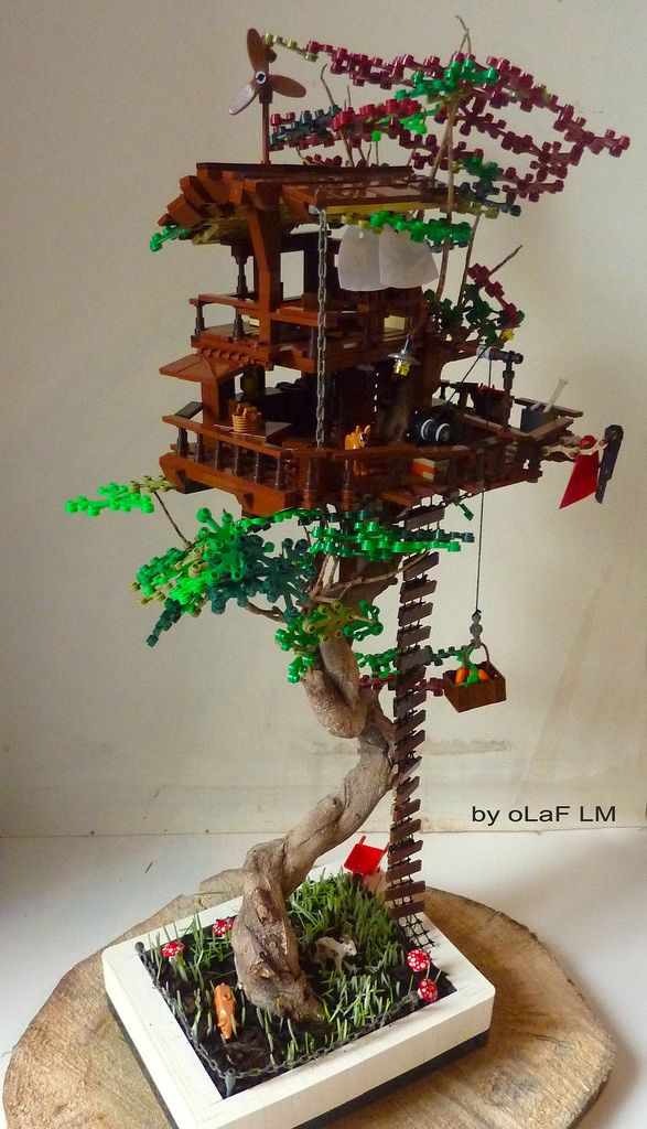 Original creation included real bonzai and Lego parts totally dissociated from the tree.