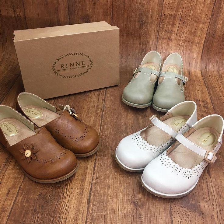 シャンブルより新しく「RINNE」が登場しました✨  RINNEはボタンや靴紐にウッドや麻紐を使用するなど、こだわりを細部にちりばめている靴です♪    土踏まずもしっかりクッションが入っていて、歩きやすいのが特徴です☆  ぜひ店頭でふわふわな履き心地をお試しください^^ サイズ:M~LL    2,900円  (665-1411他)    #シャンブル#しまむら#しまパト#coordinate #fashion #ootd #outfit #style #fasnionable #ファッション #コーデ#コーディネイト #カジュアル #スタイリング #シンプル #プチプラコーデ#kotd #kicks #ladyupshoes #shoes #靴 #シューズ#スリッポン#シャンブルオリジナル#しまパトついでにシャンパト  店舗により在庫が異なります。  売り切れの場合はご容赦下さい。  取り寄せできない場合もございます。