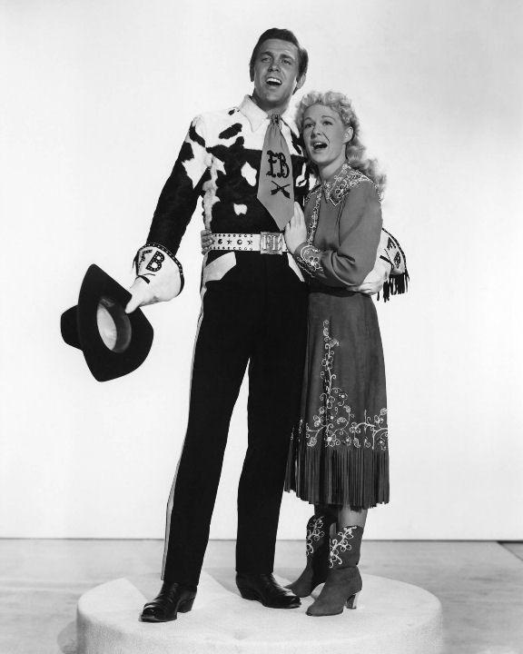 """Betty Hutton, Howard Keel in """"Annie Get Your Gun"""" (1950 ..."""