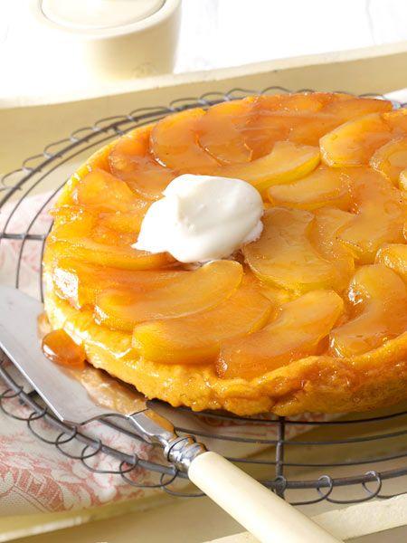Die Tarte Tatin wird verkehrt herum gebacken. Wir zeigen, wie der französische Kuchenklassiker mit karamellisierten Äpfeln garantiert gelingt.