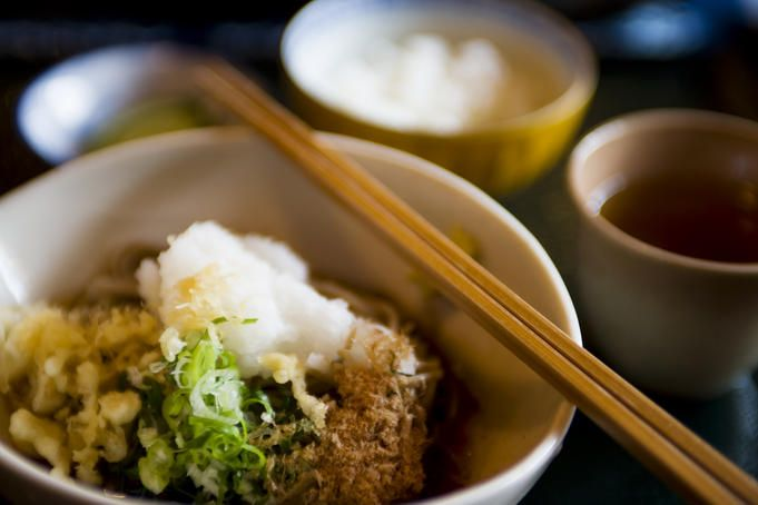 #JAPAN / How to eat politely in Japan (and other etiquette tips) - Lonely Planet http://www.lonelyplanet.com/japan/travel-tips-and-articles/74077