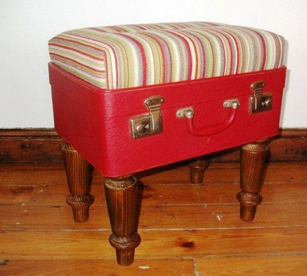 Пуфик из старого чемодана