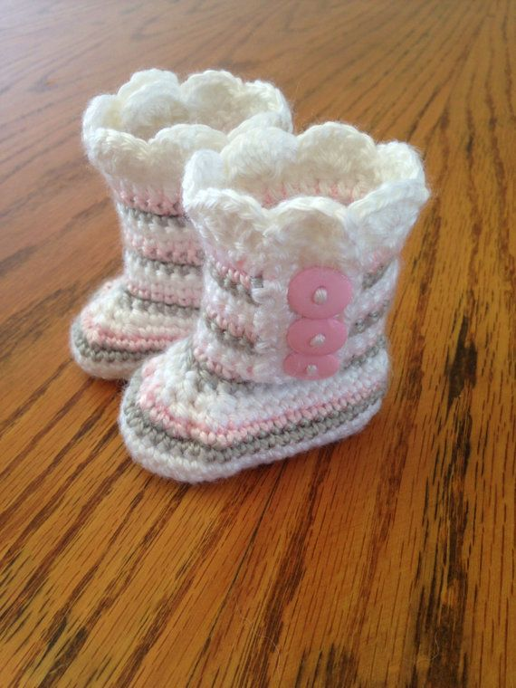 These baby booties are adorable! They are for a baby girl 0-3 months. They will be perfect for that baby girl due this winter.