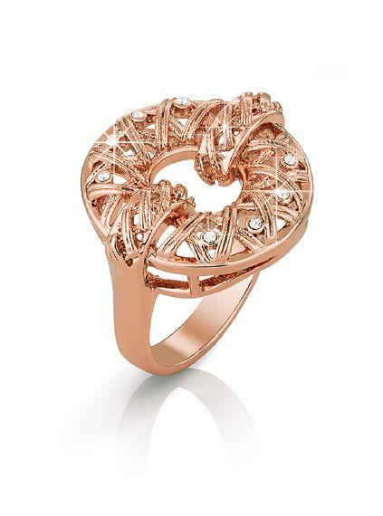 Кольцо  Гипоаллергенный ювелирный сплав. Покрытие из розового золота. Кристаллы Swarovski круглой огранки цвета «бриллиант». Ширина ободка кольца: 2,1 см в самой широкой части, 3 мм в самой узкой части.