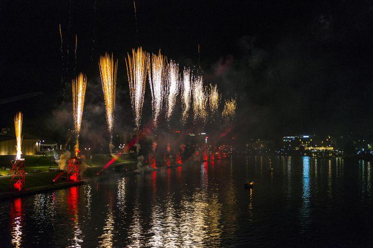 fireworks by Tomasz Jurkowski on 500px