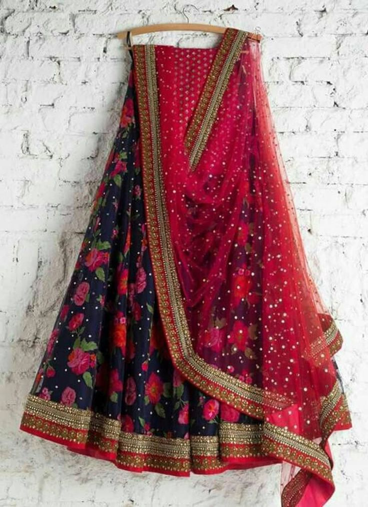Order Ghagra Choli from Mirraw in cheap rate.