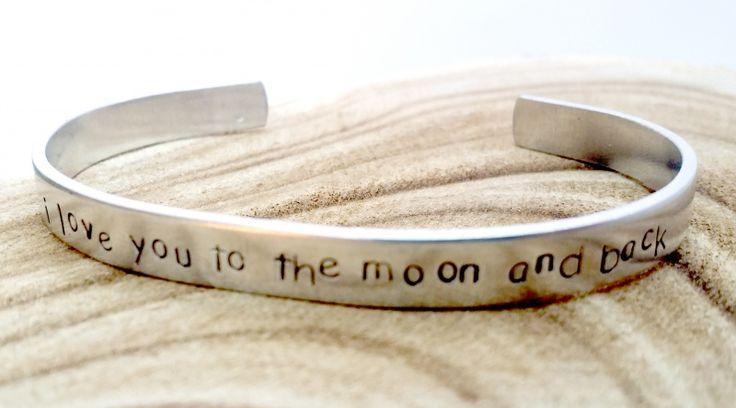 I love you to the moon and back | Aluminium slagletter armband smal