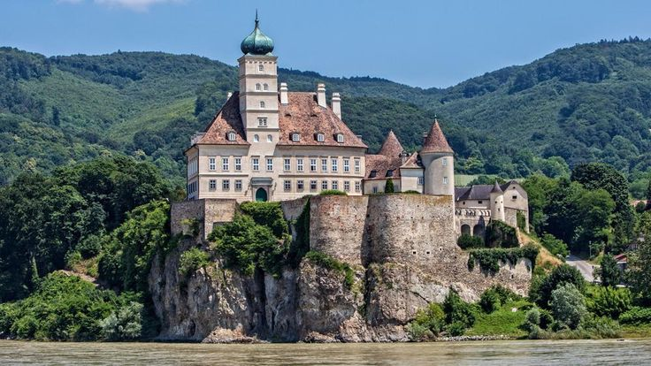 Danube River cruise offers choices and chances