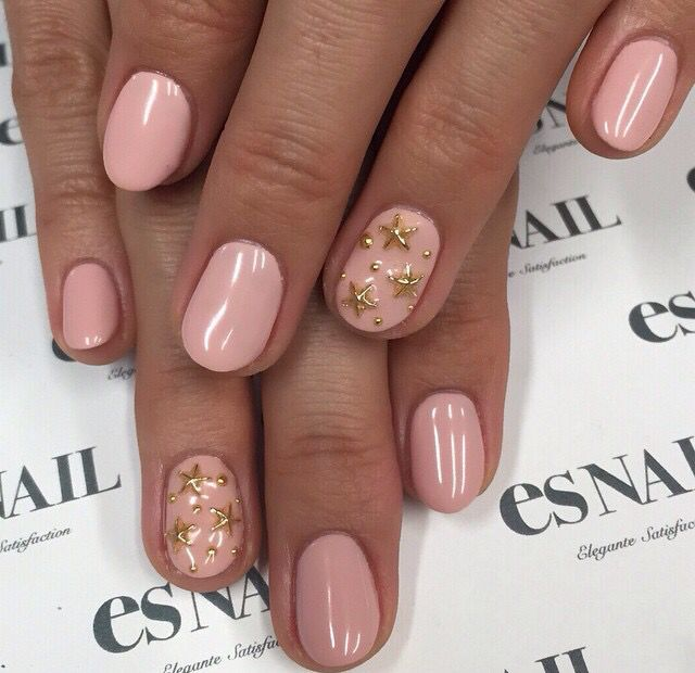 Beautiful simple color with accent nail .
