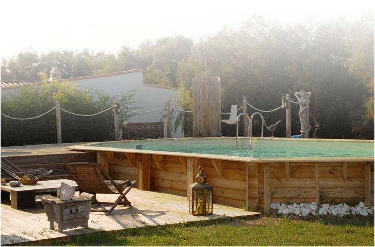 Retrouvez cette magnifique piscine bois Ubbink octogonale allongée Océa 470 x 860 cm H.130 cm, liner bleu ou beige, sur notre site Manubricole.com