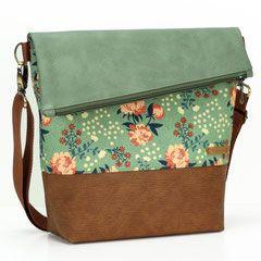 FoldOver Tasche von Hansedelli aus Kunstleder und Borke von Frau Tulpe, dazu ein Bio Canvas von Birch