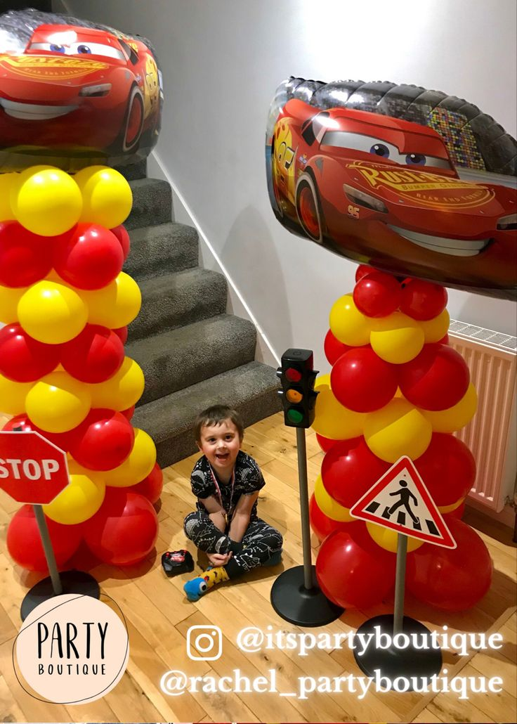 Follow me on IG itspartyboutique or rachel_partyboutique for free party advice/tips and crafts #disneycars #hotwheelsparty #hotwheels #lightningmcqueen #racingcarparty #party #carsparty
