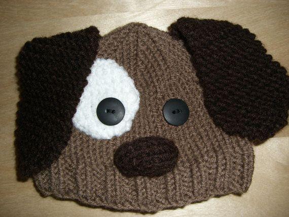Ce chapeau de chien chiot main bébé en tricot est fait de doux fil brun cacao et fils de chocolat foncé, disponible en tailles :    Nouveau-né  Bébé 3-6 mo  Bébé de 6-12 mois  Y pour tout-petits 1-3    Veuillez préciser lâge de lenfant, que lensemble sera pour votre commande ! Merci beaucoup!    Également disponible avec des couvre-couche ici : https://www.etsy.com/listing/101772467/knitted-baby-beanie-hat-and-diaper-cover?ref=pr_shop    Ce chapeau confortable pour le printemps et lété…