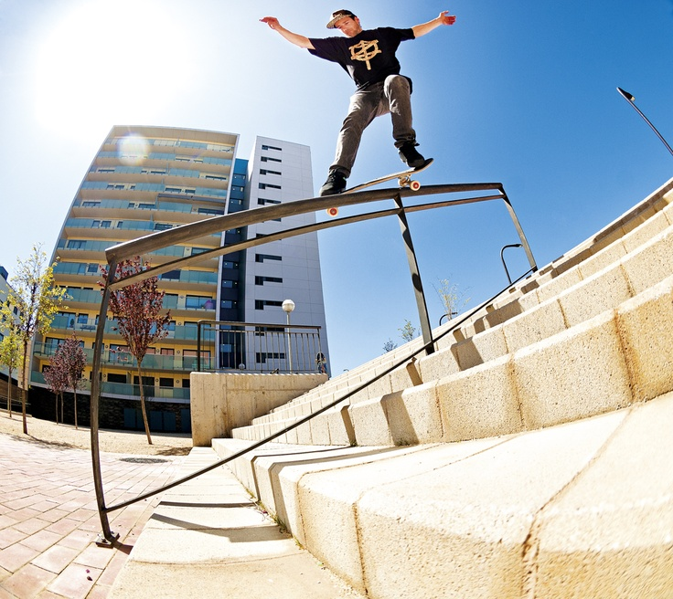 JOSE MANUEL ROURA feeble grind. Photo: Gerard Riera.