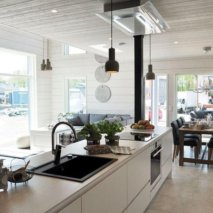 """13 tykkäystä, 2 kommenttia - SisustussuunnitteluMarikaKurki (@sisustussuunnittelumarikakurki) Instagramissa: """"Hirsitalon skandinaavinen keittiö - Scandinavian kitchen in loghouse…"""""""