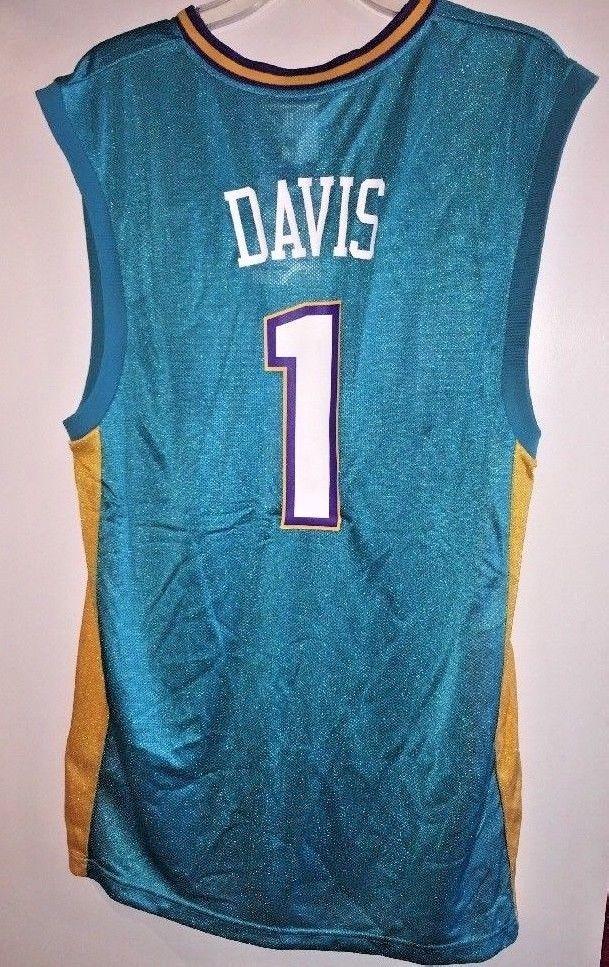 Baron Davis #1 New Orleans Hornets Jersey Medium BASKETBALL NBA REEBOK Tagged #REEBOK #NewOrleansHornets Sold $25.00