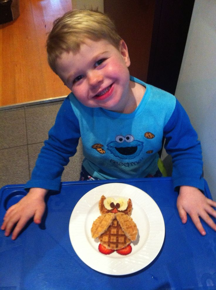 'Waff-owl' made from waffles, strawberries, banana and sultanas.