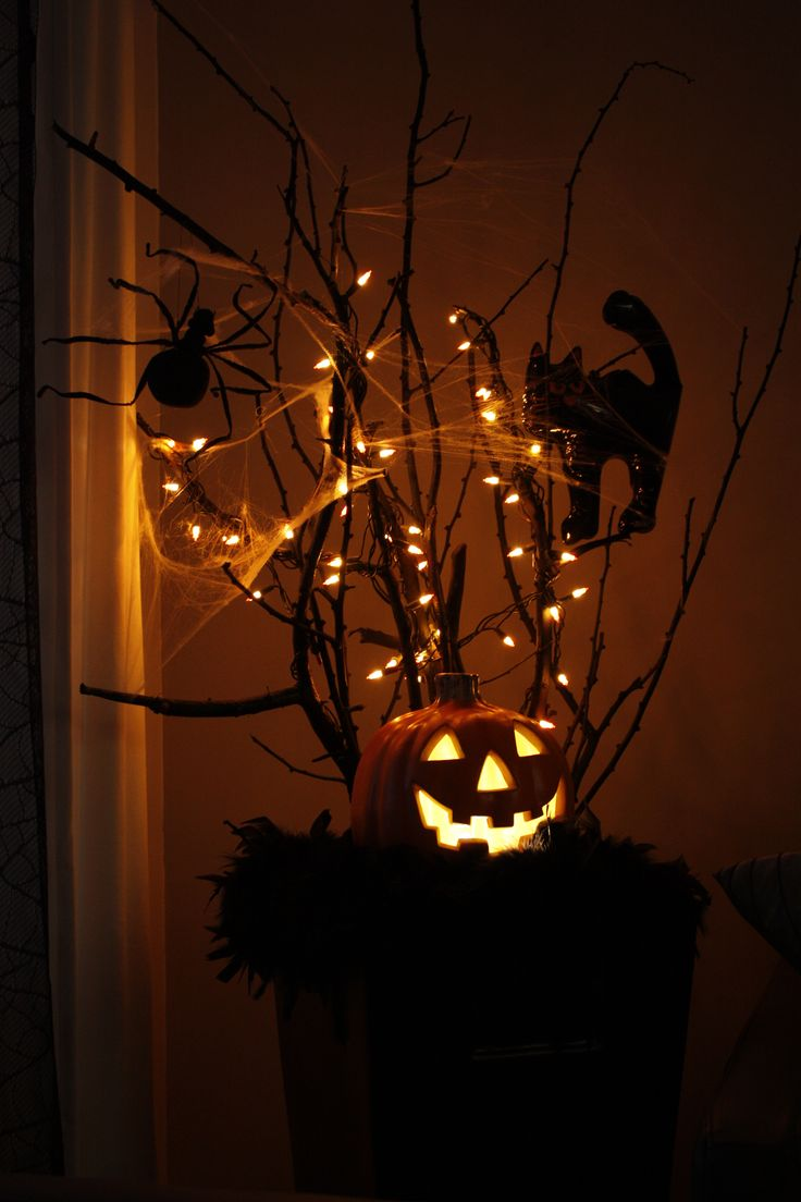 scary halloween tree filled with halloween lights - Halloween Light Ideas