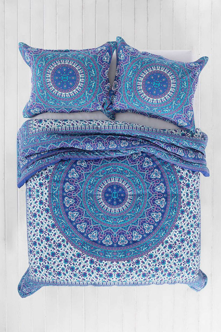 Magical Thinking Ophelia Medallion Comforter http://www.urbanoutfitters.com/urban/catalog/productdetail.jsp?id=32159519&parentid=BRANDS#/